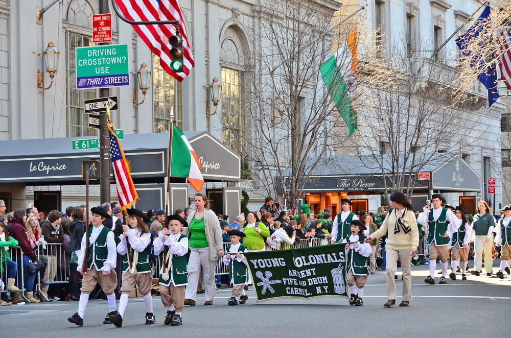 Parada v New Yorku.