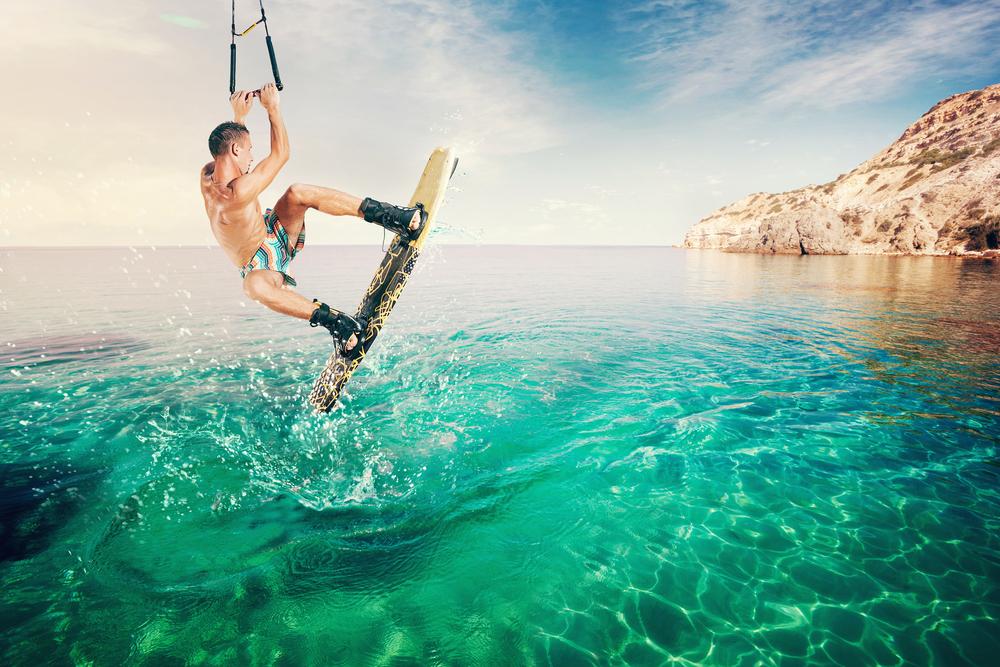 wakeboarding_shutterstock_212667517