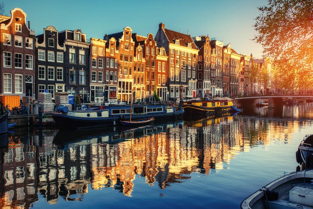 amsterdam_shutterstock_461782129