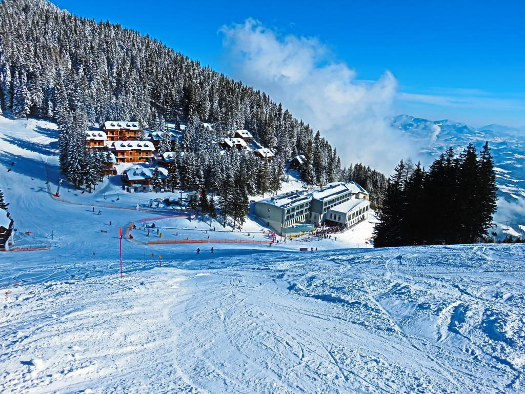 hotel_golte_-_view_from_slope