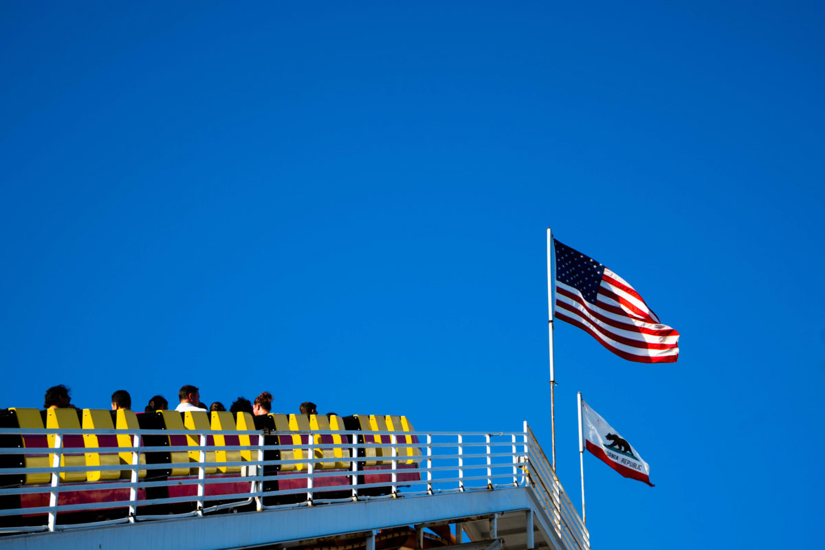 Los Angeles - rollercoaster- american flag